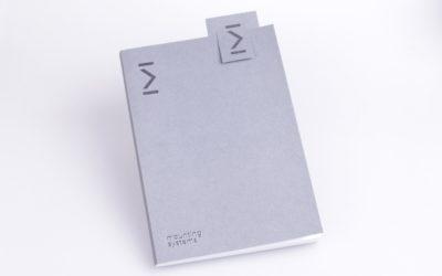 Notizbuch mit Lesezeichen