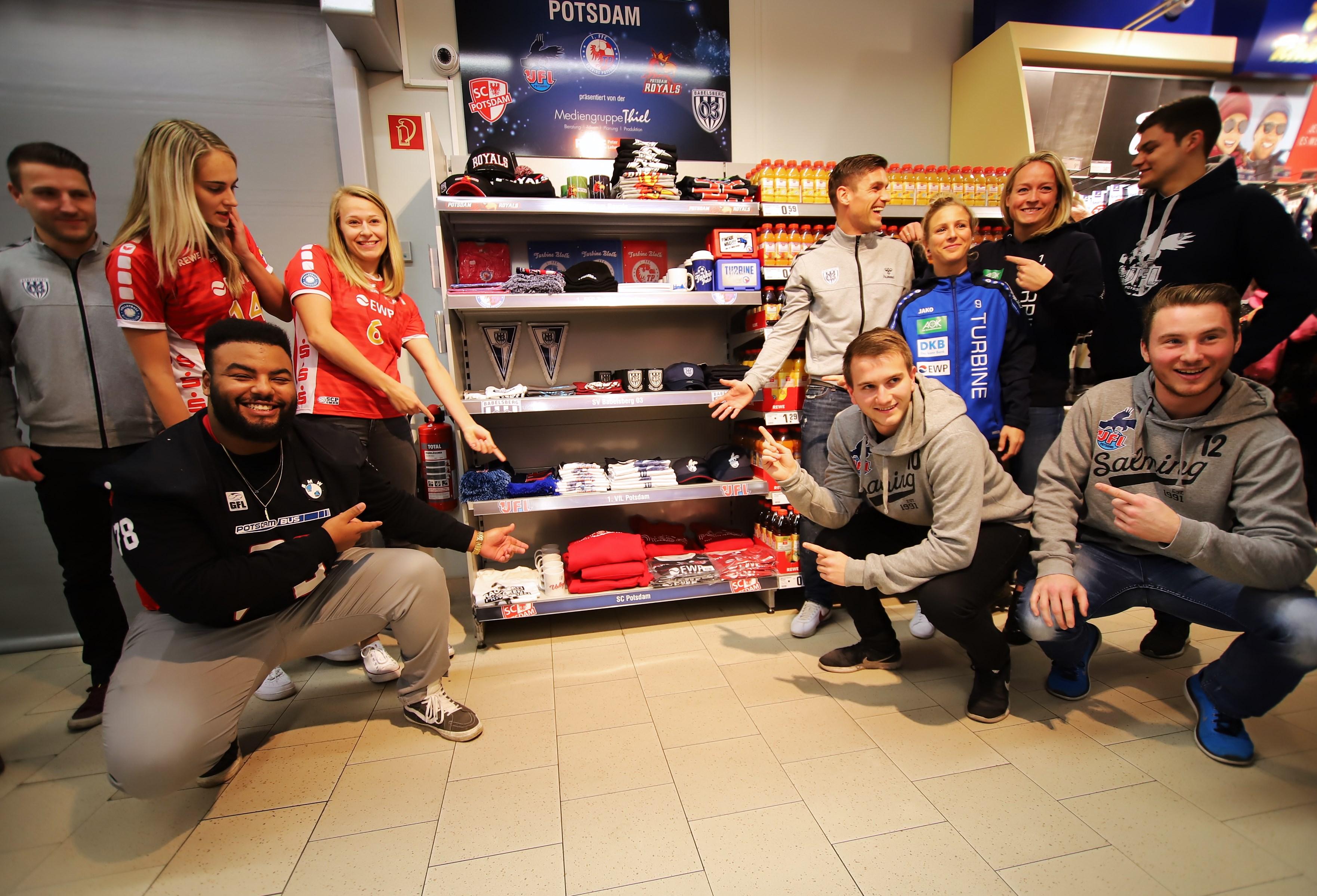 Fan-Shop Eröffnung 06.12.2018 (Foto Gerhard Pohl) 045 - I-
